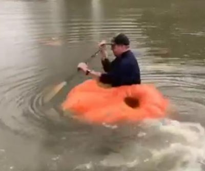 Tennessee farmer converts giant pumpkin into kayak