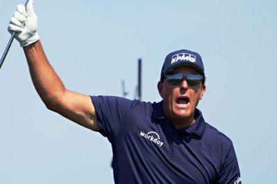 Golf: Tom Brady, Phil Mickelson to face Aaron Rodgers, Bryson DeChambeau