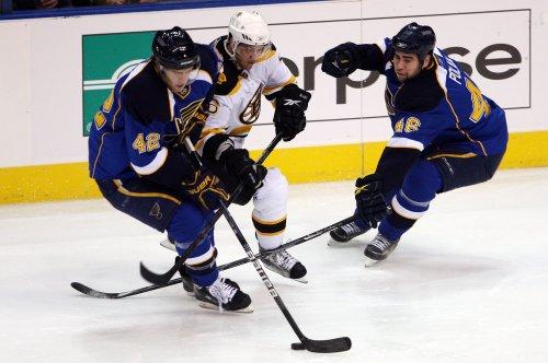 NHL: Boston 4, St. Louis 2