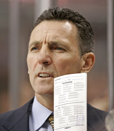 Blackhawks fire Coach Dennis Savard