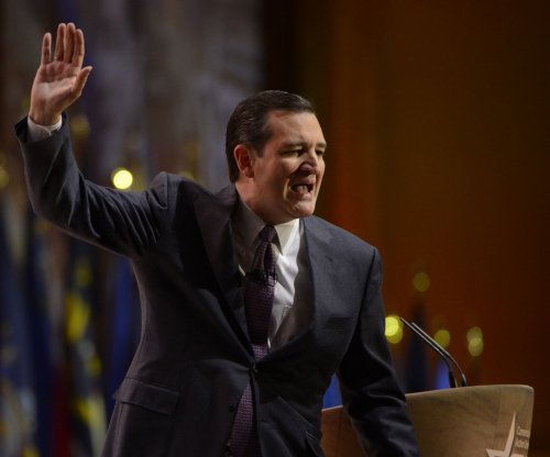Cruz surges to the top in Iowa poll