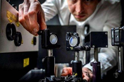 Scientists build world's fastest camera