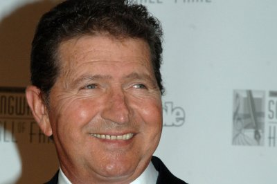 Mac Davis, country singer and songwriter, dead at 78