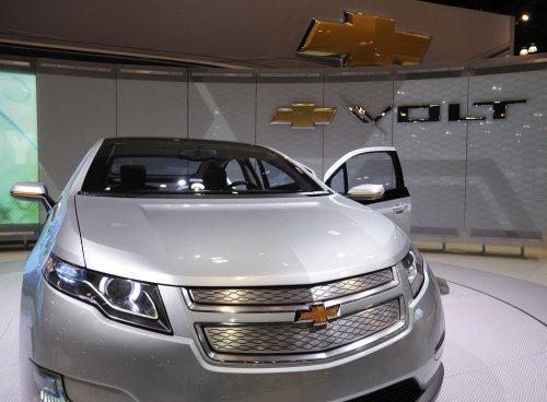 GM to build Malibu, Volt, in Michigan