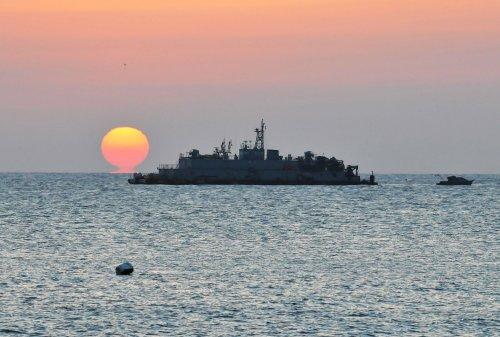 N. Korea, S. Korea navies exchange gunfire