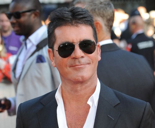 Simon Cowell hypnotized by dog on 'Britain's Got Talent'