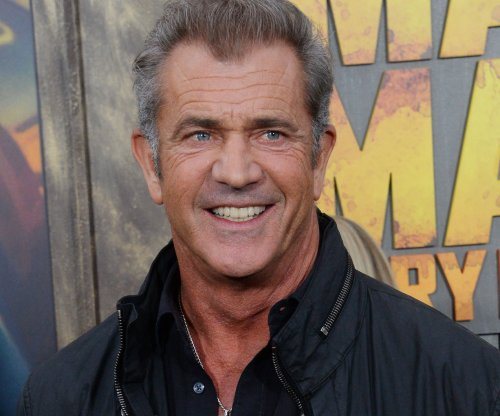 Mel Gibson avoids charges over photographer's physical assault claim
