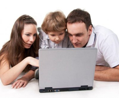 Parents may be setting bad example for children when it comes to social media, study says