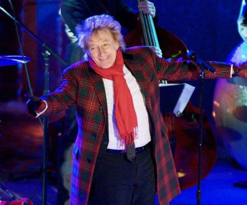 Rod Stewart and Cyndi Lauper announce summer concert tour