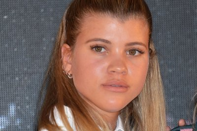 Sofia Richie dismisses Scott Disick dating rumors: '#relax'