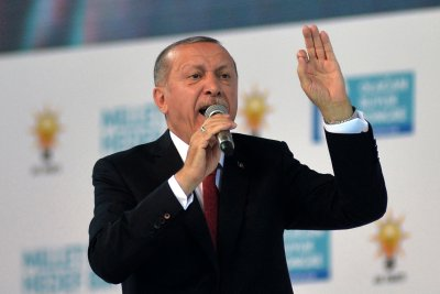 "Turkish president blasts U.S. for playing ""games"" on economy"