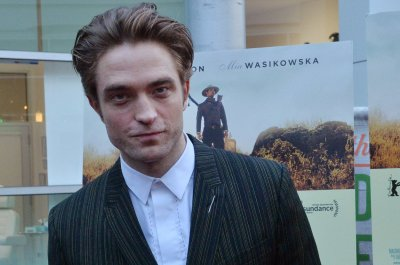 Robert Pattinson says he's 'ready' for 'Twilight' reunion