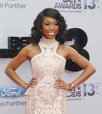 Brandy performs show in front of 40 people in S. Africa
