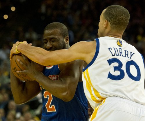 Golden State Warriors beat Mavericks for 15th straight win