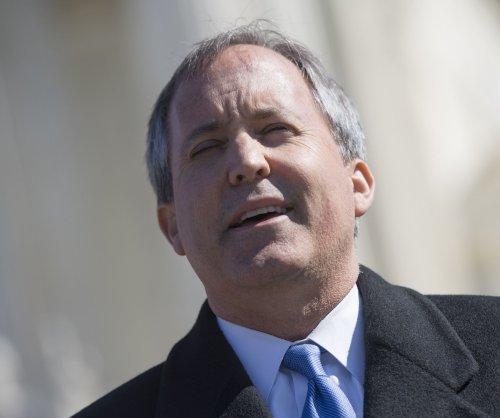 Appeals court reinstates Texas 'harboring' law