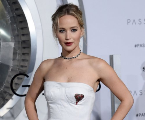 Jennifer Lawrence on dating Darren Aronofsky: 'I'm never confused with him'