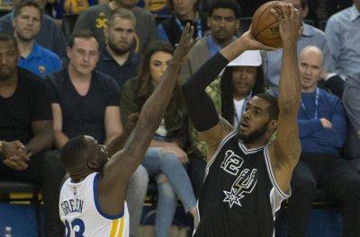 Jazz, Spurs meet in battle of rolling teams