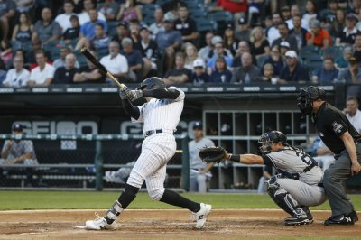 White Sox cause trouble for division-leading Cubs