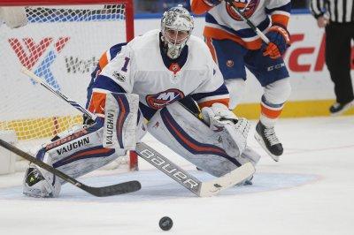 Comeback kids: Islanders host Jets