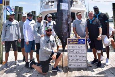 Michael Jordan, crew reel in 442-pound marlin in Big Rock tournament