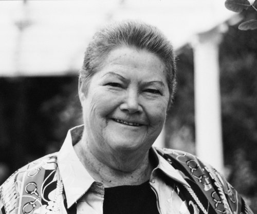'Thorn Birds' author Colleen McCullough dies at 77