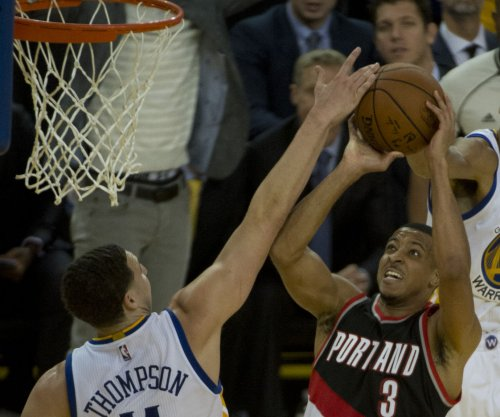 Blazers sign C.J. McCollum to 4-year, $106M extension