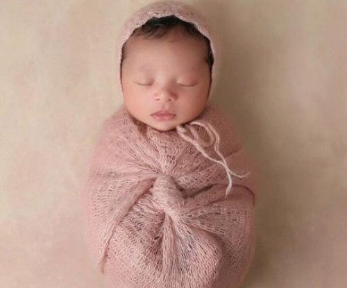 Kobe Bryant shares first photo of new daughter Bianka