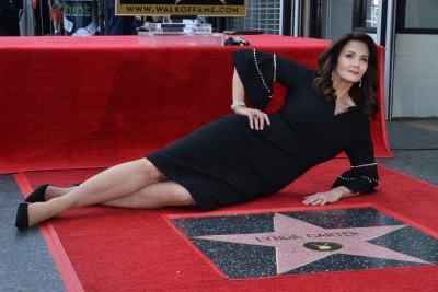 'Wonder Woman' Lynda Carter honored with star on Hollywood Walk of Fame