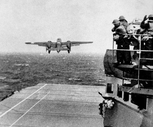 Allied warplanes bomb Tokyo