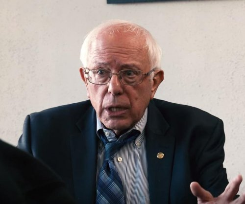 Sanders live-tweets another GOP debate