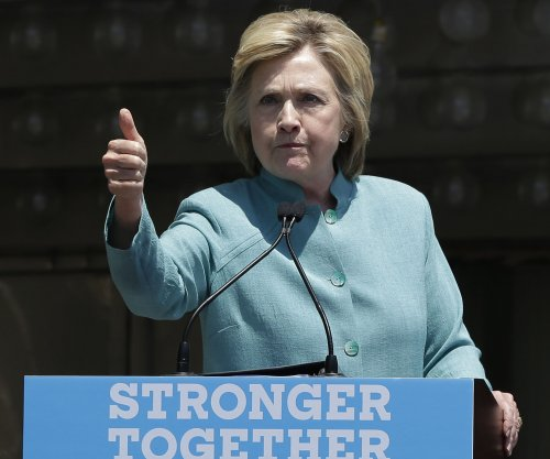 Poll: Clinton holds double-digit lead in Colorado