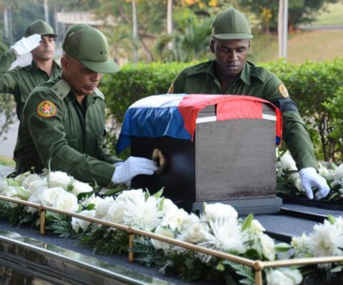 Fidel Castro's ashes begin journey through Cuba