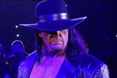 WWE Raw: The Undertaker appears, Roman Reigns loses United States Championship