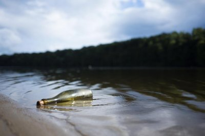 Message in a bottle travels 250 miles from Kentucky to Tennessee in 30 years