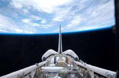 Astronauts finish first STS-132 spacewalk