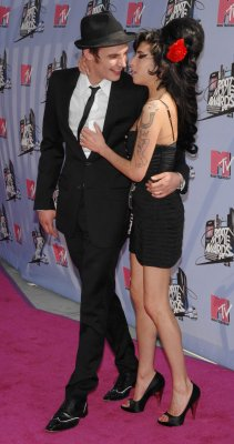 Winehouse's jailed hubby files for divorce