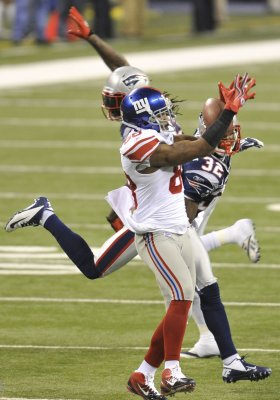 N.Y. Giants WR Hakeem Nicks breaks foot