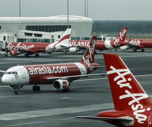 AirAsia flight was shaking like a 'washing machine,' passenger says