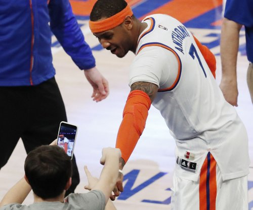 Carmelo Anthony still on trade block despite Phil Jackson's departure