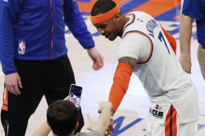 Carmelo Anthony still on trade block despite Phil Jackson's departure