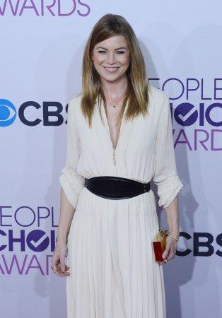 Ellen Pompeo signs two-year 'Grey's Anatomy' deal