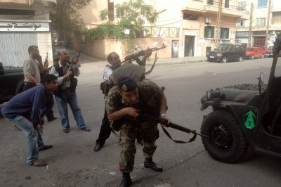 Lebanese army clashes with Syrian al-Qaida rebels in Tripoli