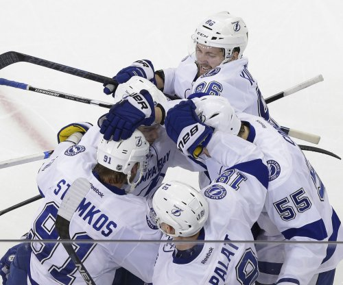 Tampa Bay Lightning strike in OT to beat New York Rangers