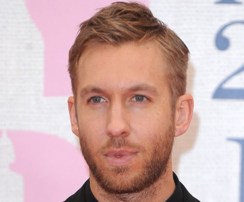 Calvin Harris officially meets Taylor Swift's cats