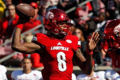 Lamar Jackson, No. 5 Louisville stunned by Houston