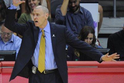 Dallas Mavericks maintain mastery of Los Angeles Lakers