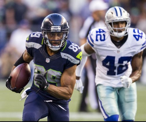 Jacksonville Jaguars agree to deal with S Barry Church