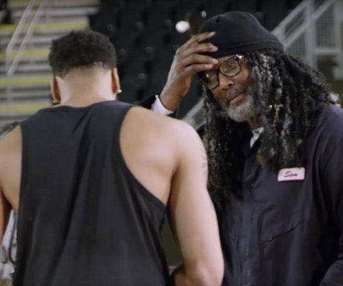 Karl Malone plays undercover janitor, pranks Anthony Davis