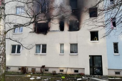 German police evacuate apartment building after deadly explosion