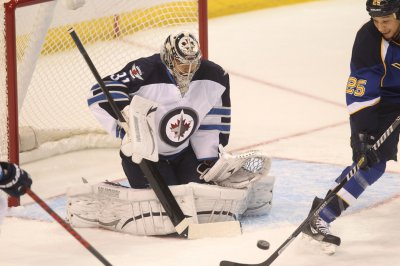 Dallas routed by Winnipeg